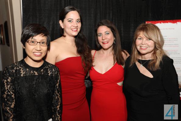 Teresa Wan, Lisa Horen with Colleen & Kathleen Wilson
