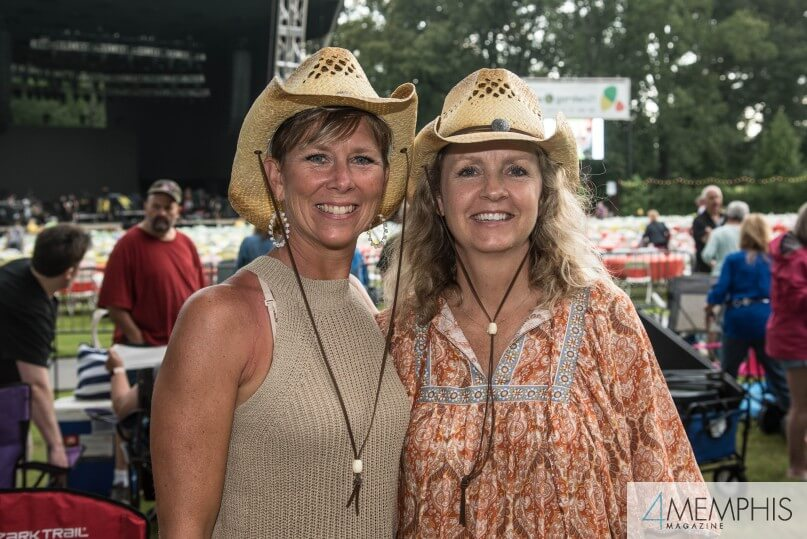 Kelli Hail & Carin Bote attending Brad Paisley Live at the Garden